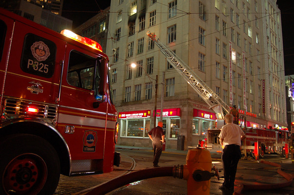 June 5, 2006 - 2nd Alarm - 21 Dundas Square