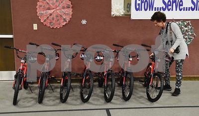 rotarians-pollard-methodist-build-bikes-for-children