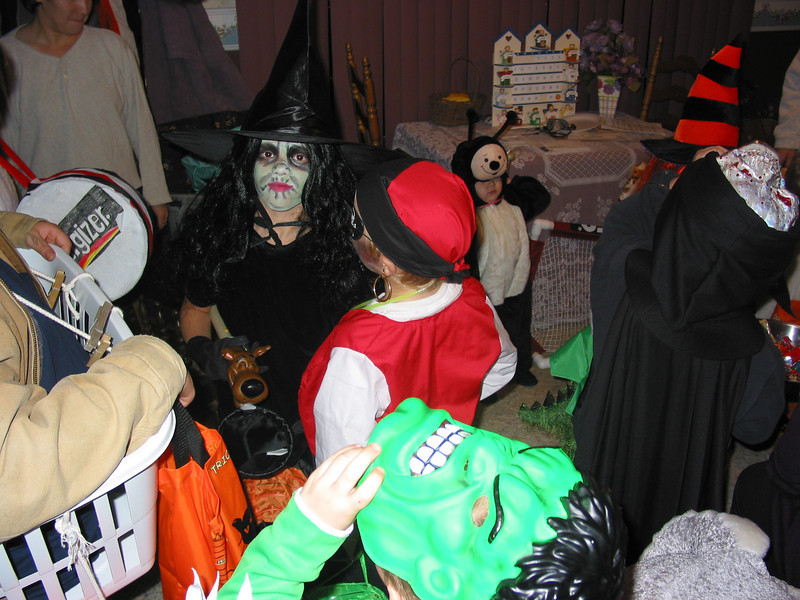 03 10 30 Mercur Hill Halloween