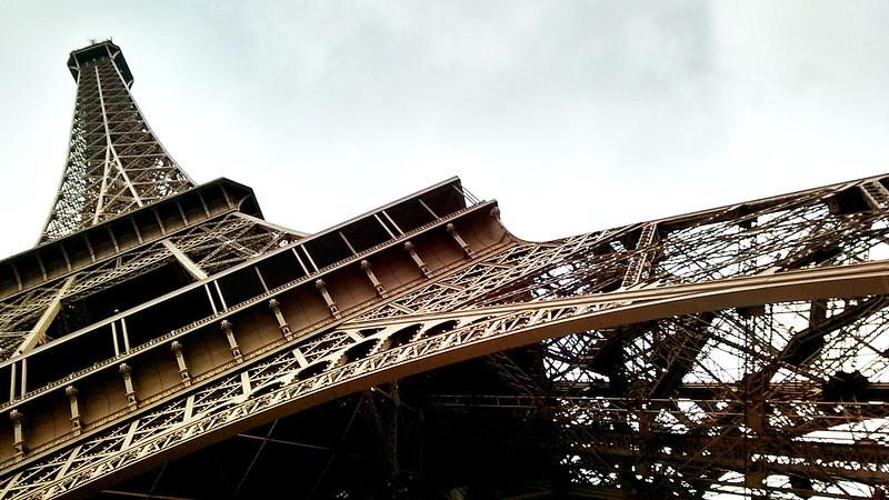 Paris-EiIfelTower-Skewed-IMG_112137201.jpg