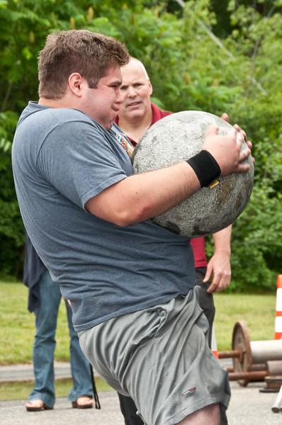 Fitness Revolution Strongman Challenge 2011_ERF4407.jpg