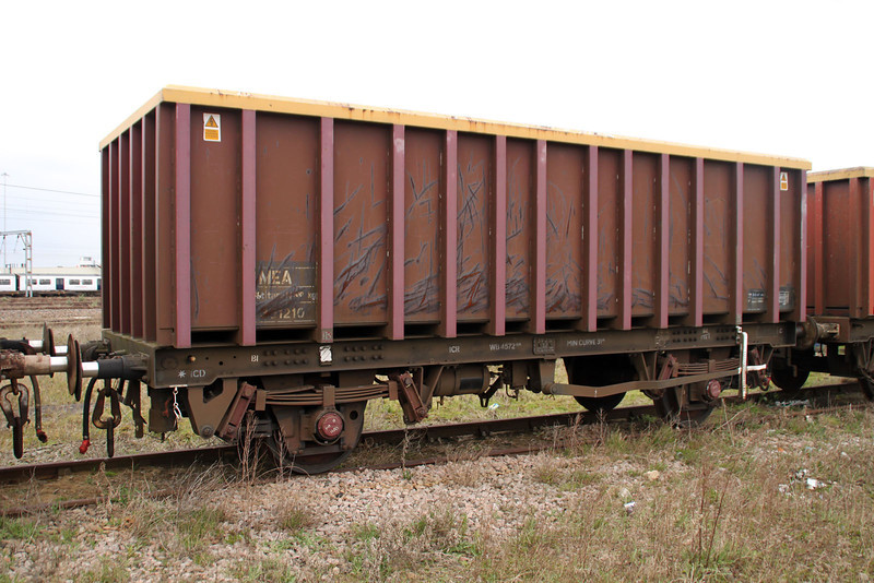 MEA 391210 at Harwich Parkeston Quay 07/04/12