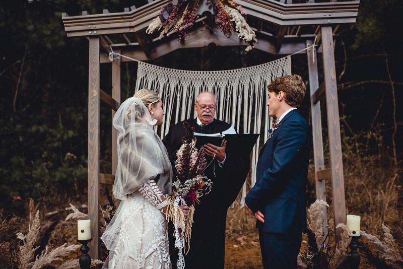 Requiem Images - Luxury Boho Winter Mountain Intimate Wedding - Seven Springs - Laurel Highlands - Blake Holly -1050.jpg