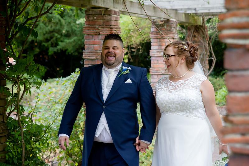 Mr and Mrs Lee-264.jpg