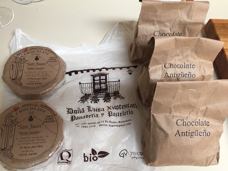 Cocoa disks for hot drinking chocolate