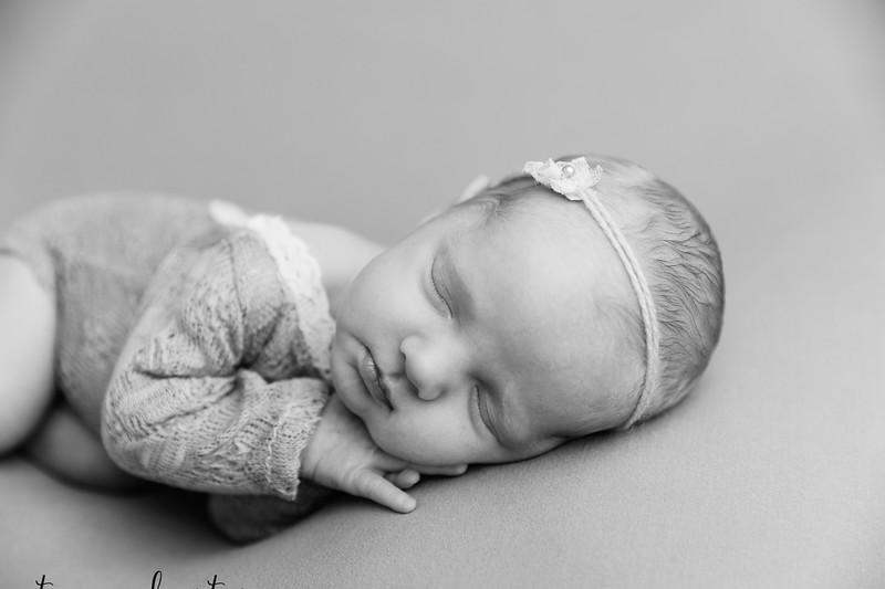 Autumn-Newborn-Low-Resolution370A0216-Edit-2.jpg