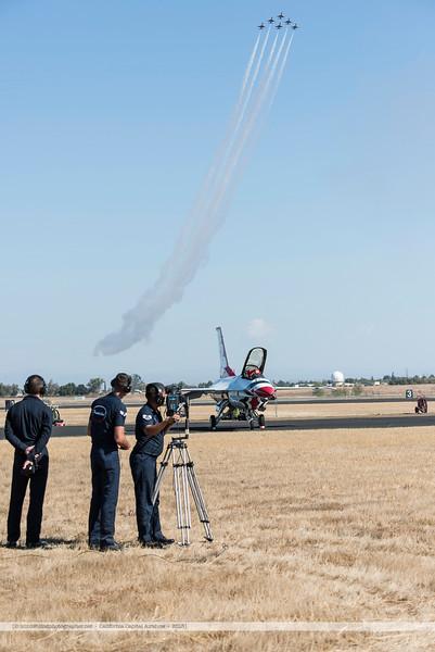 F20151002a145652_3927-Thunderbirds-F-16-show.jpg