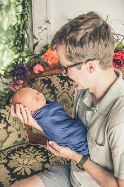 Rockford_newborn_Photography_L013.jpg