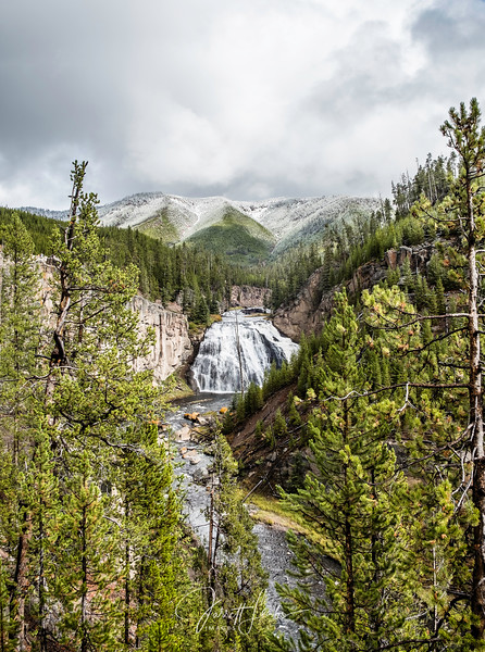 YellowstoneFallsWeb.300-1717.jpg