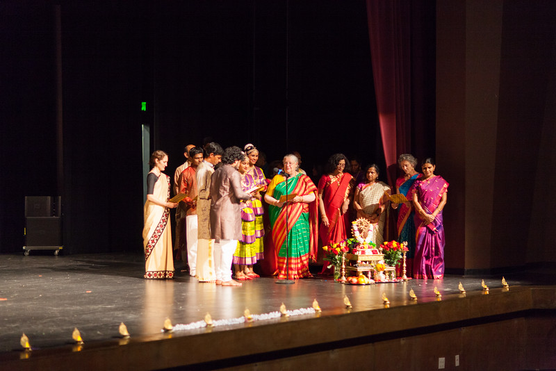 PriyaShreyaDance-0103.jpg