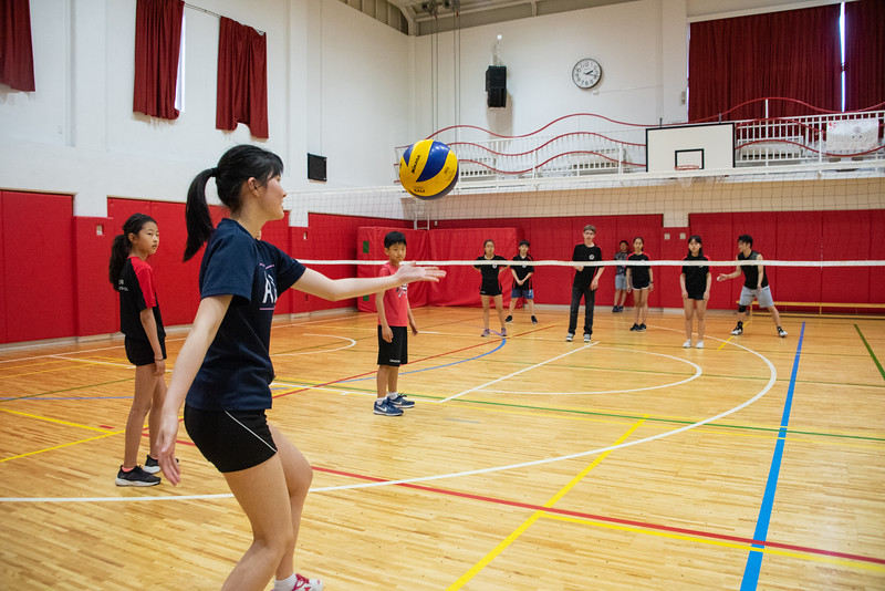 PE Leadership-Gr12 and Gr6 Volleyball Workshops-YIS_2649-2018-19.jpg