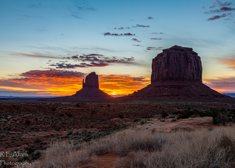 Monument Valley Sunrise 2266 HDR-2.jpg