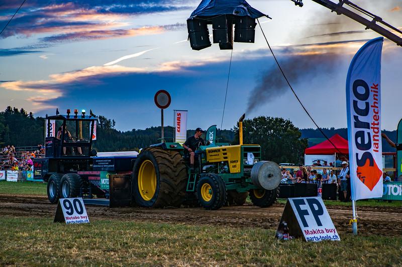 Tractor Pulling 2015-01696.jpg