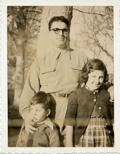 Alfred Lewis and his two childre