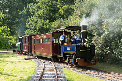 Couillet_Decauville No 810_36 leads Bagnall No 4 Armistice past the loop