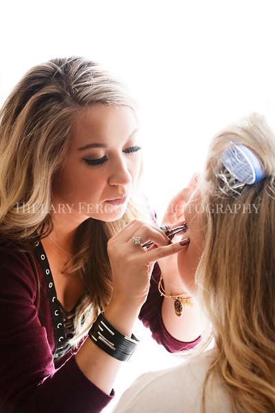 Hillary_Ferguson_Photography_Melinda+Derek_Getting_Ready104.jpg