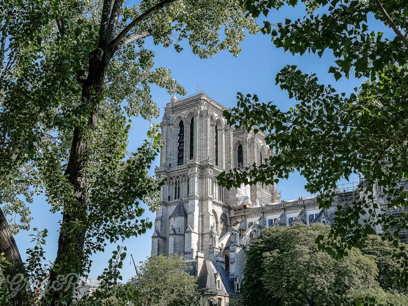 Looking at the Extry area of Notre Dame