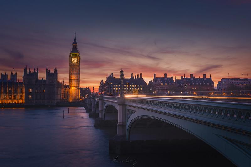 Parliament-sunset-light-trail.jpg