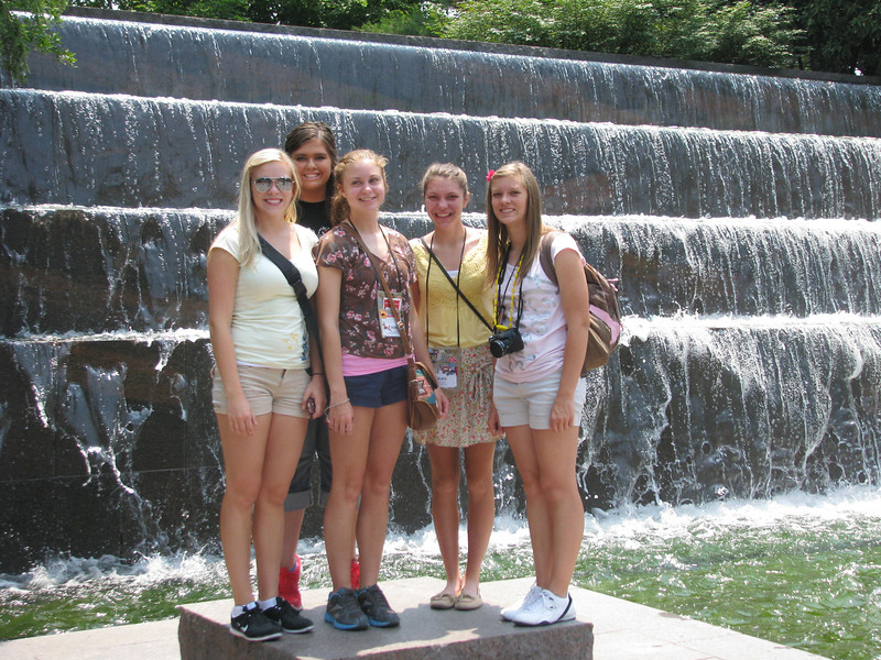 Sara, Sarina, Robin, Elen and MacKenzie in front of the falls at the FDR Memorial