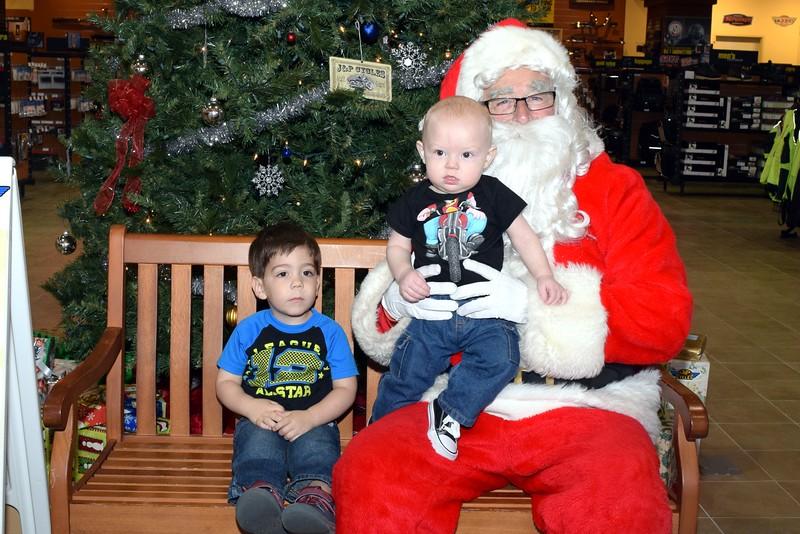 2016 Santa Visits J&P Cycles (64).JPG