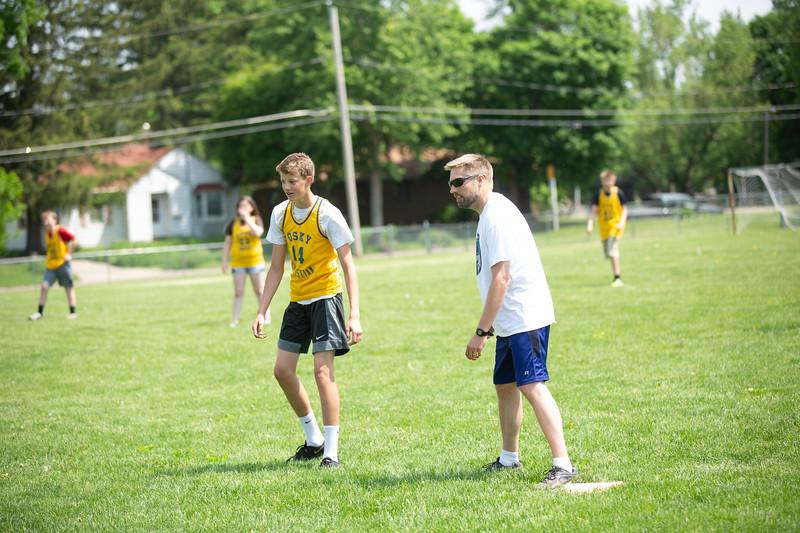 OSCI-8thgradevsteachers-kickball-29.jpg