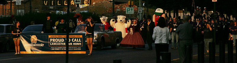 Auntie Anne's Homecoming Parade 09