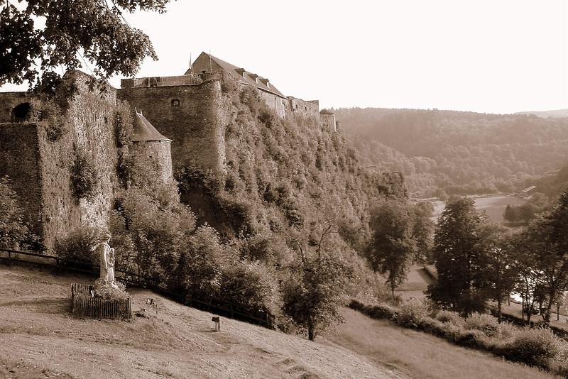 castle_rural_belgium.JPG