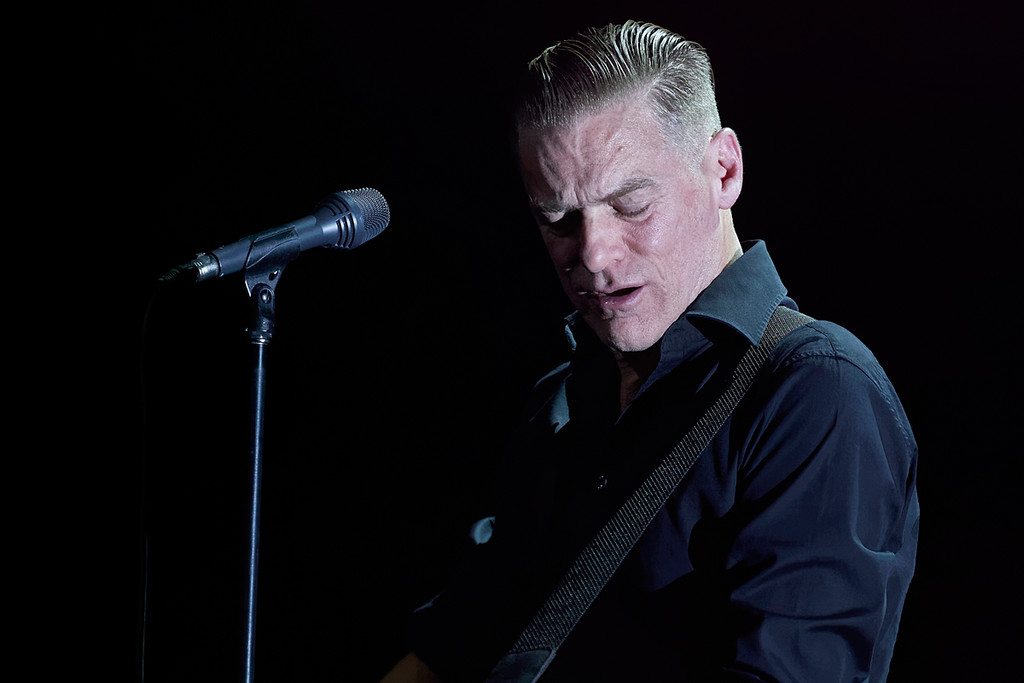 . Bryan Adams performs at the Fox Theatre in Detroit on Oct. 21, 2014. Photo by Ken Settle