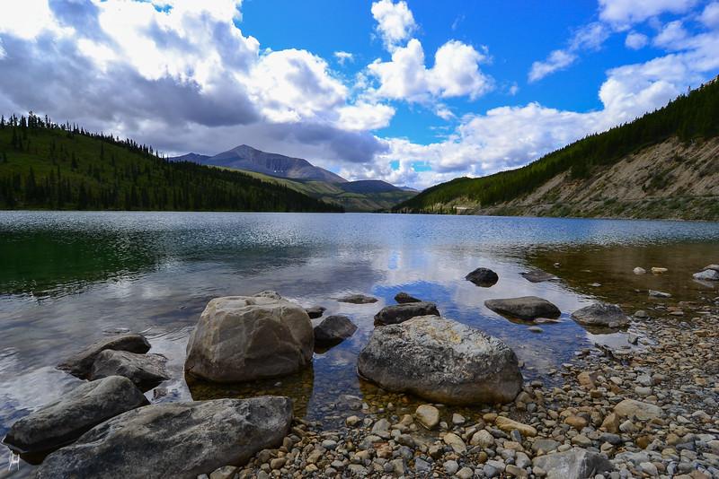 Muncho Lake British Columbia, Canada