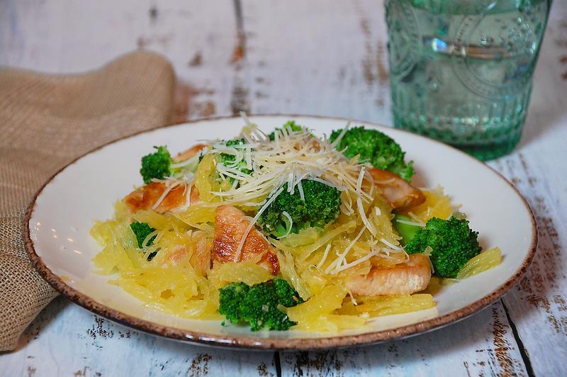 Spaghetti-squash-chicken-broccoli-1.png