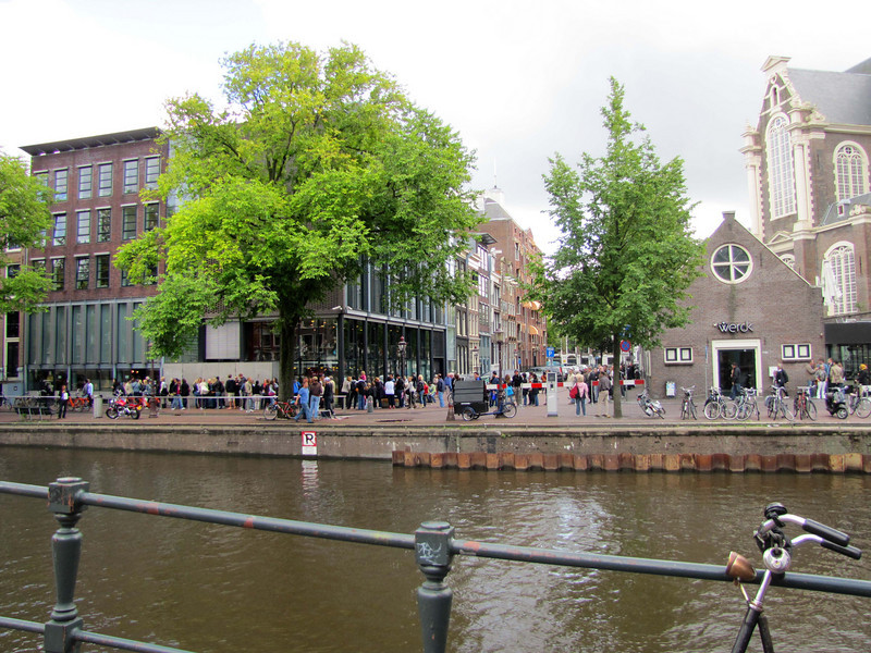 33-Anne Frank Museum on left