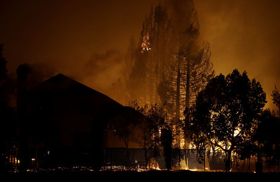 windwhipped-wildfires-sweep-through-california-wine-country