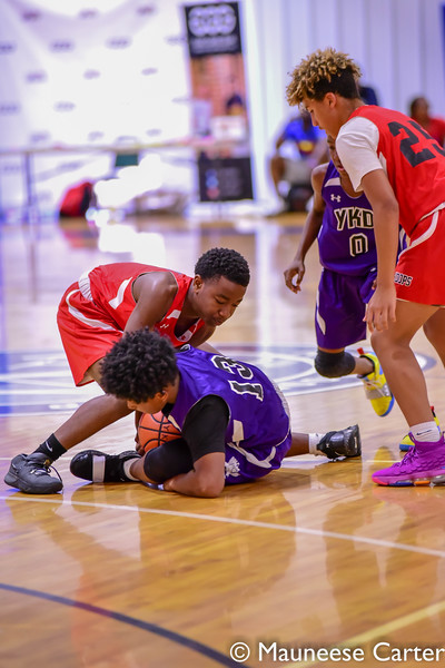 Showtime Hoops v YKD Kings 430pm 7th Grade-7.jpg