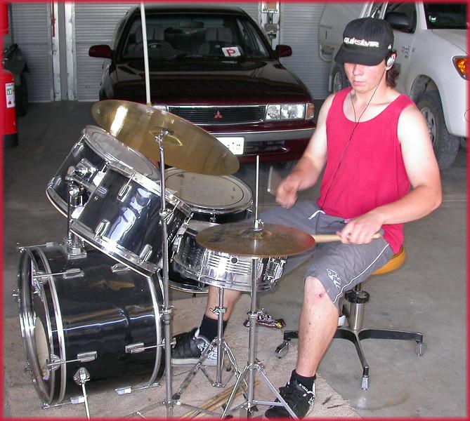 00008u.Tyson Druming.jpg
