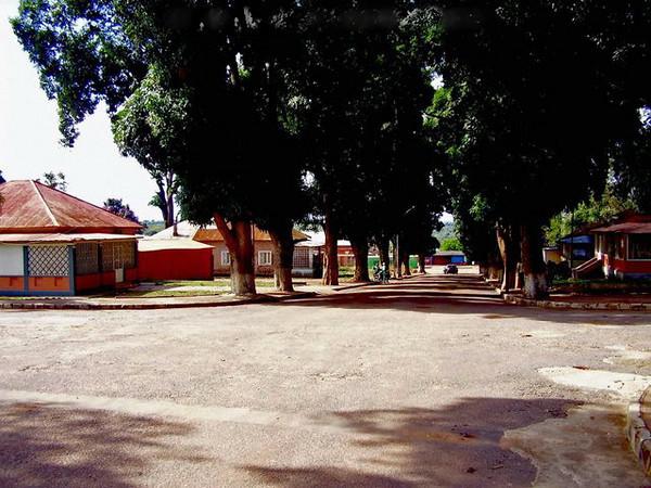 Dundo - rua sem nome - 08.jpg