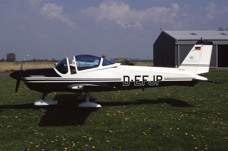 D-EFJP-MBBBo-209Monsun-Private-EDXB-1998-05-02-EK-37-KBVPCollection.jpg