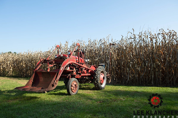 1963 Farmall Cub with TwinDraulic Loader (original condition) and McComick Two-Row Corn Planter