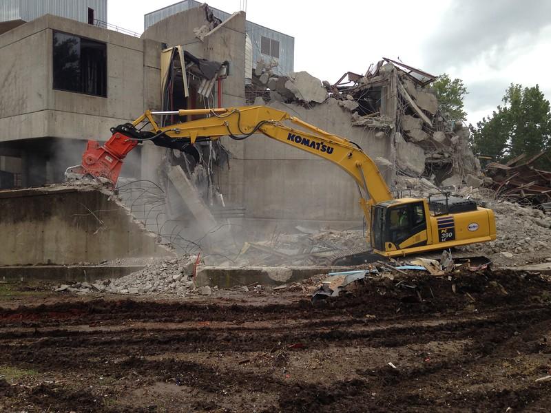 NPK U31JR concrete pulverizer on Komatsu excavator-commercial demolition (22).JPG