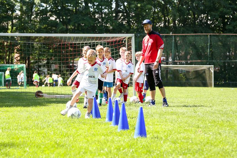hsv_fussballschule-402_48047945261_o.jpg