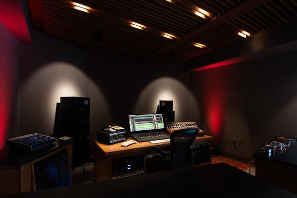 01-10-20-mixing room