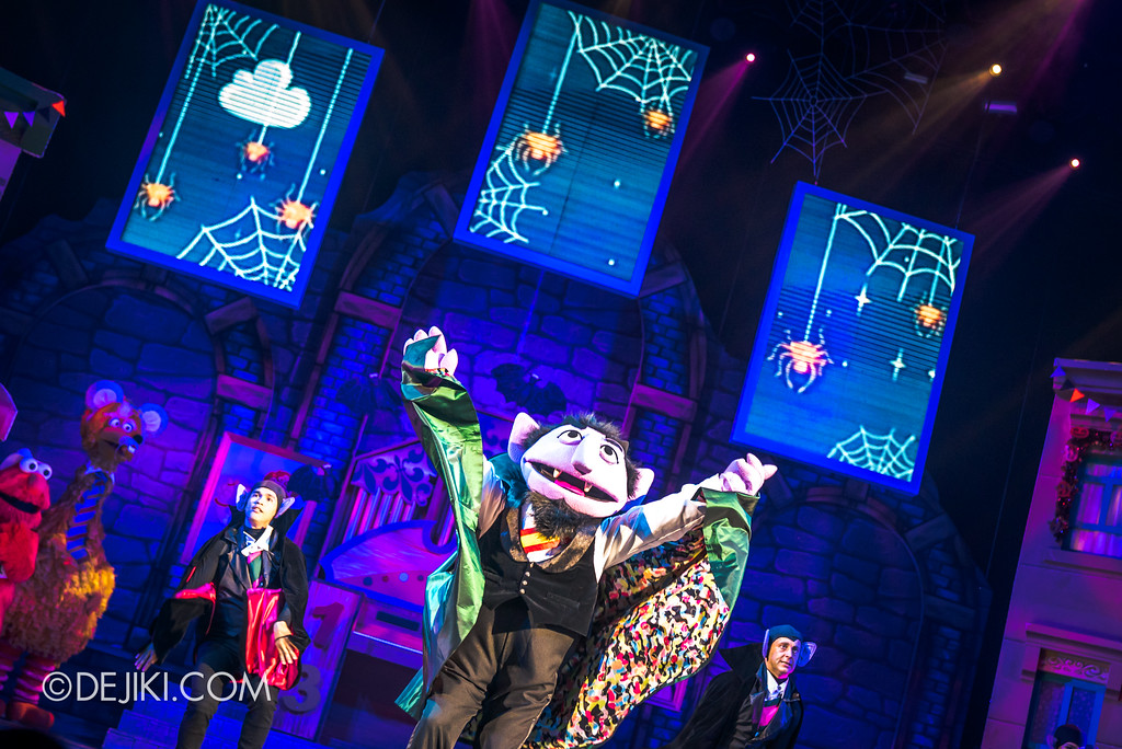 Halloween Horror Nights 7 Before Dark 2 Preview Update / New Show at Pantages Hollywood Theatre - Trick or Treat with Sesame Street - The Count is counting Candies