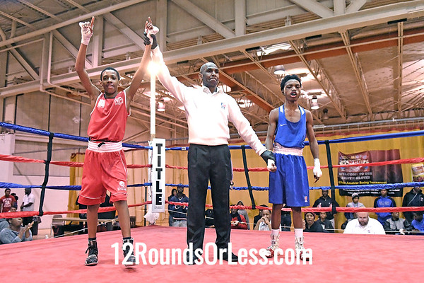 Bout 16 Javaughn Dula, Red Gloves, CWCB Cinci -vs- Allen Brock, Blue Gloves, Soul City, Toledo, 90 Lbs, 14-15 Yrs