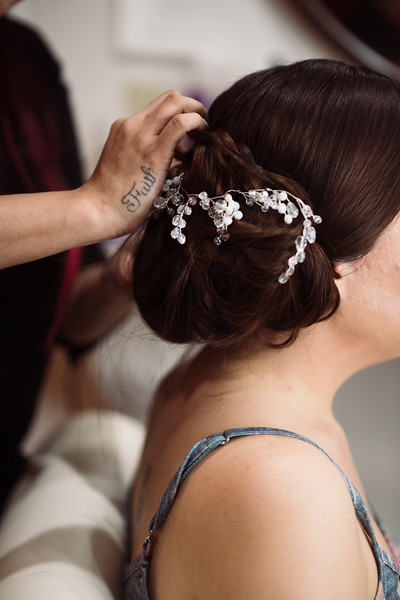 Kaitlin_and_Linden_Wedding_Pre_Ceremony-6.jpg