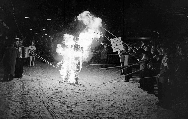 Verbranden Bachus, lege portemonnee