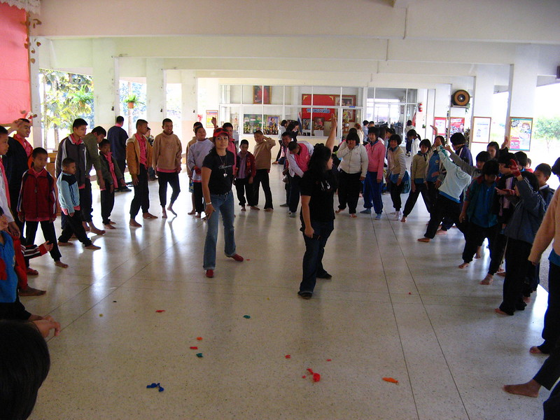 A Thai group were masters at organizing songs, dances, games and crafts for the kids