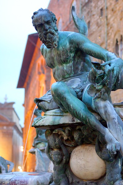 fountain-of-neptune_2108160163_o.jpg