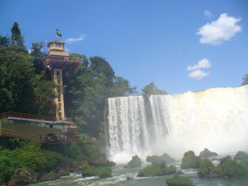 035 Iguacu Falls, Garganta do Diablo.jpg