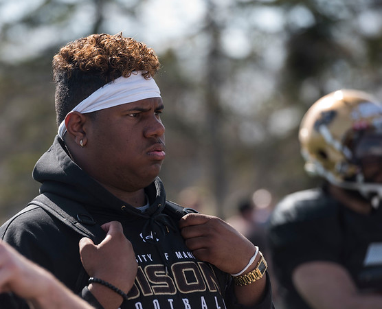 DAVID LIPNOWSKI / WINNIPEG FREE PRESS  Defensive end Demarius Henderson, a new rookie recruit from British Columbia during the University of Manitoba Bisons 2016 spring camp Sunday May 1, 2016 at the University of Manitoba Turf Fields.