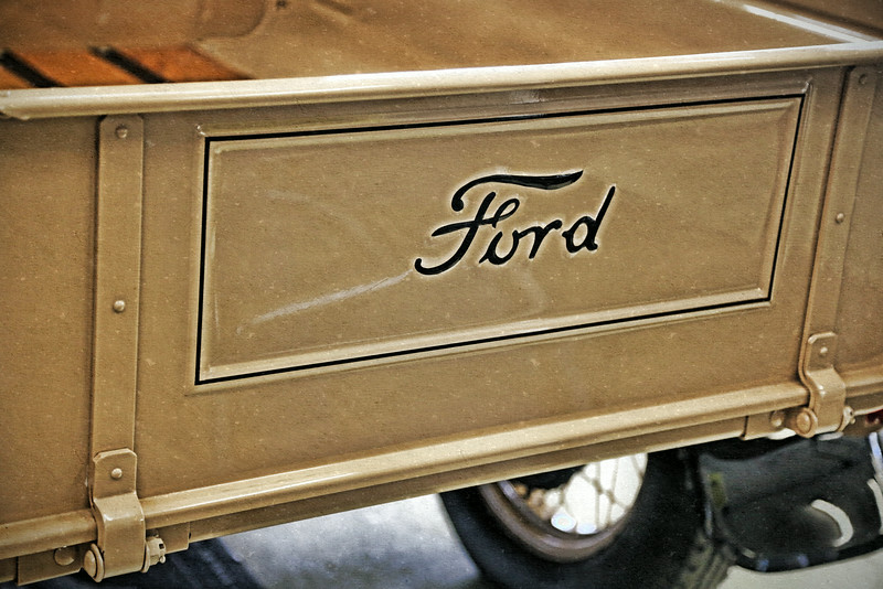 ford truck wagon bed.jpg