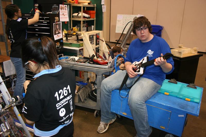 Robotics 2007 Peachtree Regional 184.JPG